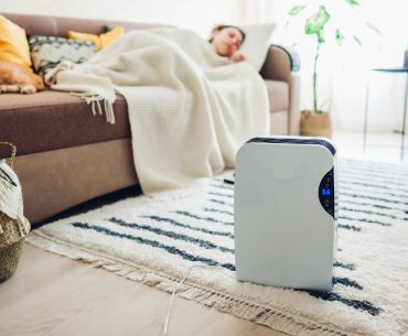 Can dehumidifier cool or heat a room.