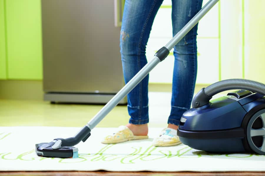 Can you use a regular vacuum cleaner for vacuuming water?