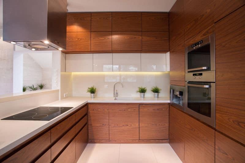 Horseshoe kitchen layout
