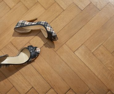 Tips for quieting noisy heels. Stop clicking heels.