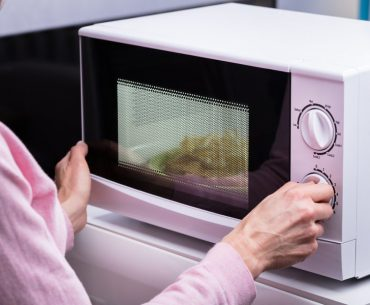 Everything you need to know about microwaving cardboard boxes and cups.