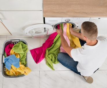 What colors can you wash together in the washer. Tips for washing colored clothes.