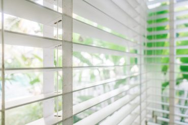 Standard window blinds sizes. How to choose the right size blinds.