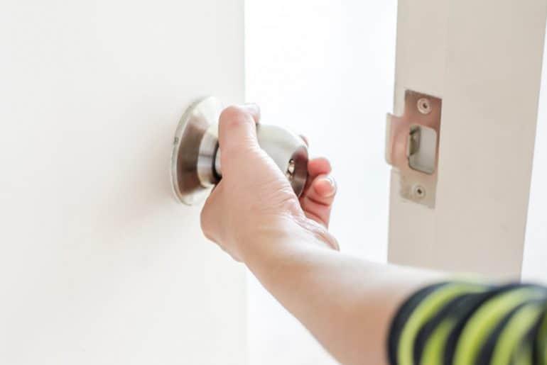 How to open a squeaky door quietly