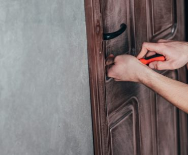 How to unlock the door when you do not have the key - using a screwdriver.