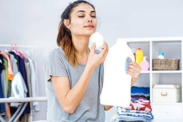 Best laundry detergent for long-lasting nice scent.
