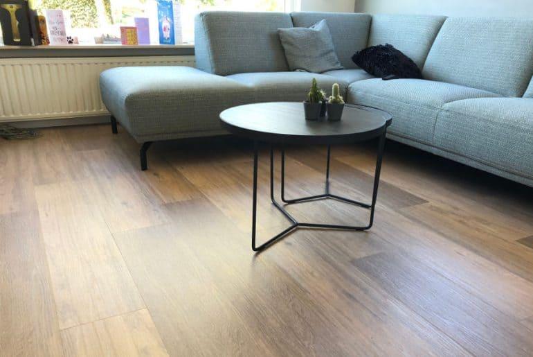Does vinyl flooring scratch? How durable is vinyl floor?