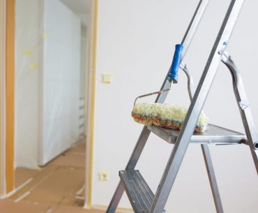 What is the best ladder for painting walls and ceiling.