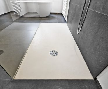 The best materials for shower floors. What options do you have?