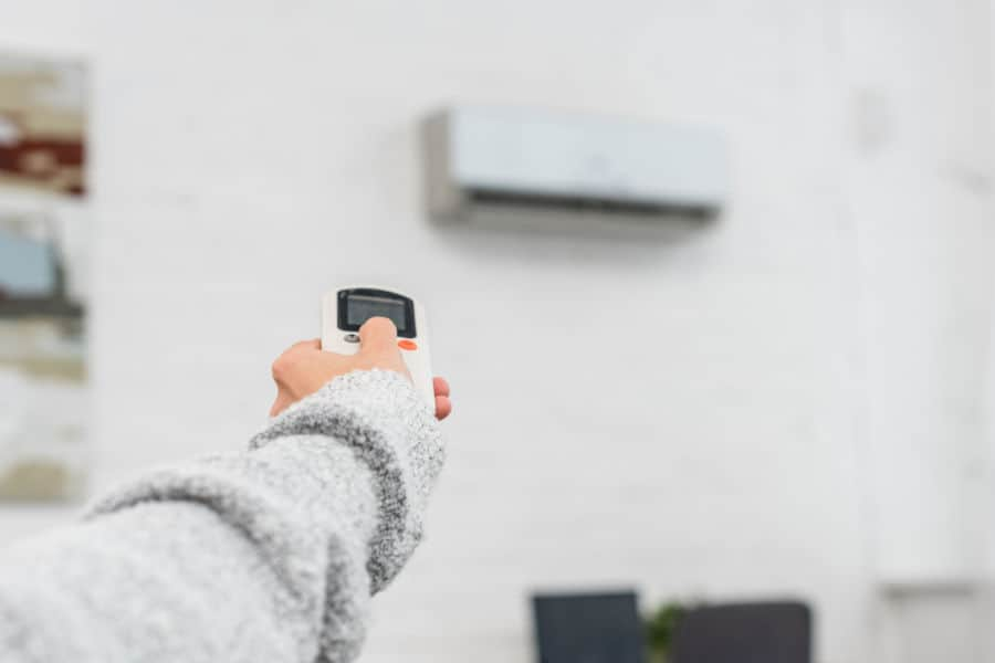 Does air conditioning help reduce the humidity level in your house?