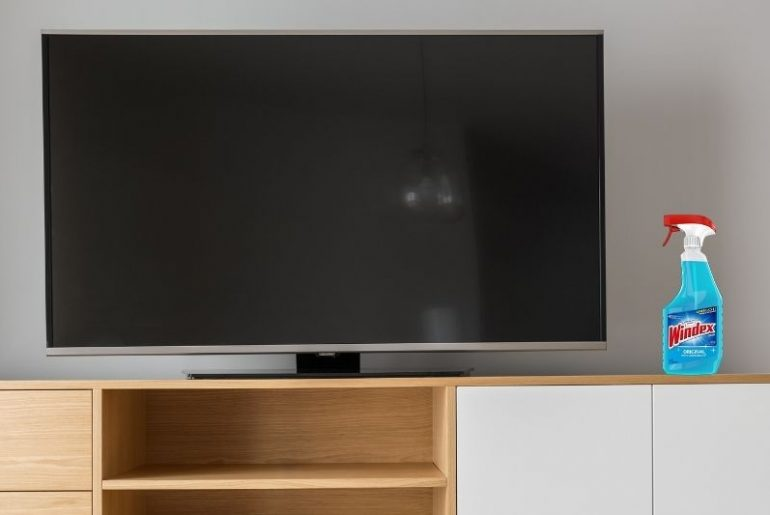 Using Windex to clean a TV screen: Can you do it?