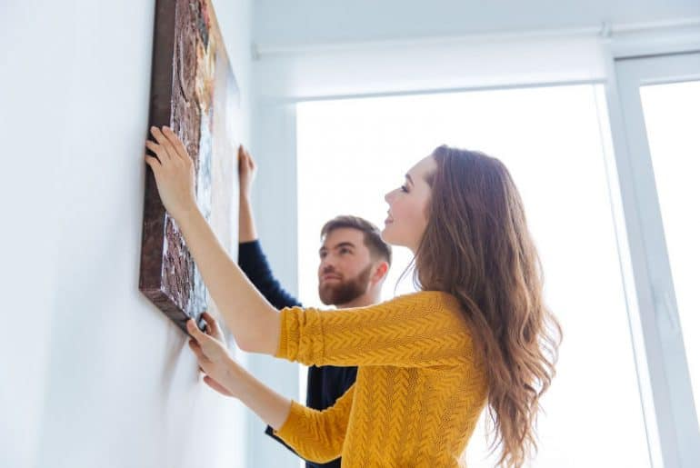 How to hang wall decor without command strips.